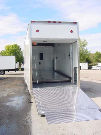 T 2000 Kenworth MotorHome  Call (800) 214-6905
