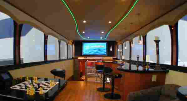 luxury motorhomes (also referred to as motorcoaches) range in