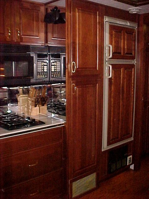 Custom Kitchen (800) 214-6905